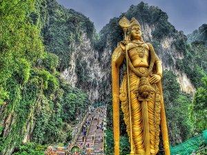 lord-murugan-temple-statue-malaysia-1455777702
