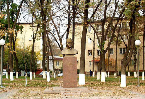 1-shastri_monument_tashkent
