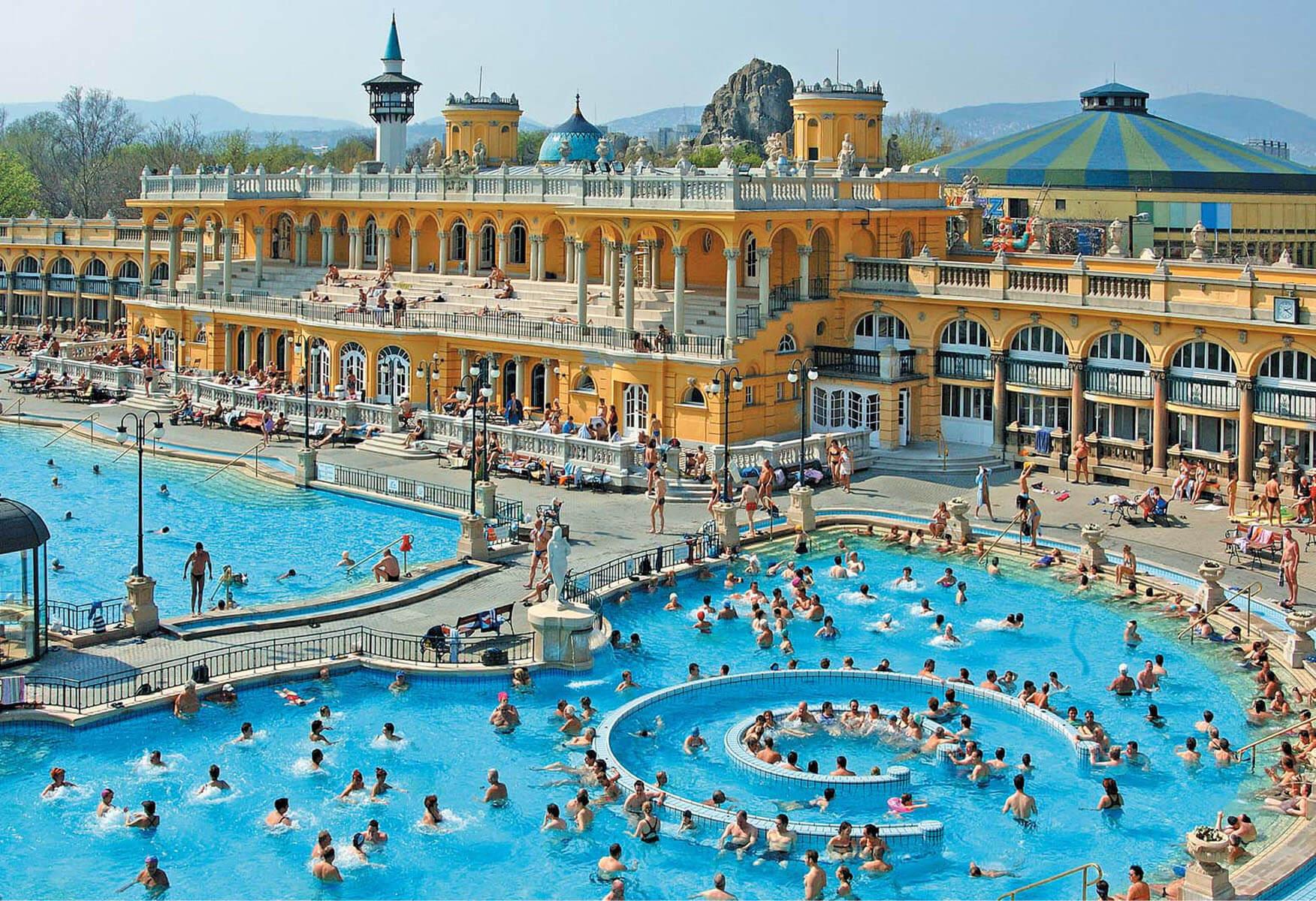 Szechenyi-Spa-Baths-Budapest