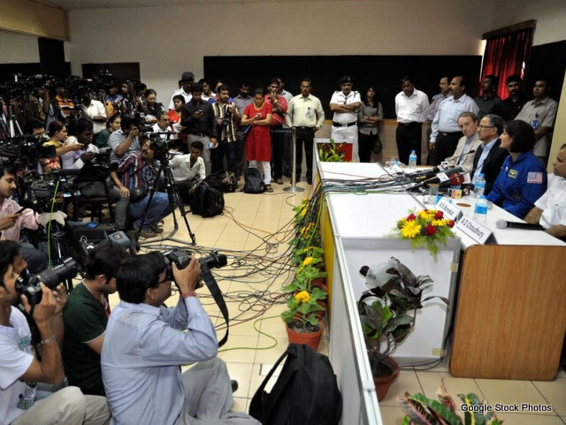 1-1-Press_Conference_-_Sunita_Lyn_Williams_-_Science_City_-_Kolkata_2013-04-02_7597-1024x680